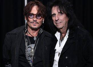 Johnny Depp e Alice Cooper em evento que homenageia a banda Aerosmith em Los Angeles — Foto: Rich Fury/Getty Images for The Recording Academy/AFP