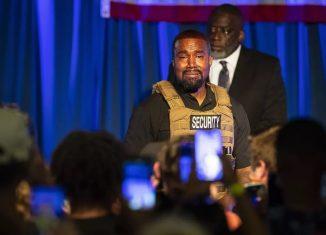 Kanye West chora ao falar sobre aborto durante comício nos EUA — Foto: Lauren Petracca Ipetracca/The Post e Courier via AP